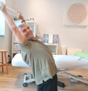 """Schmerztherapie: """"Bogen im Kniestand"""""""
